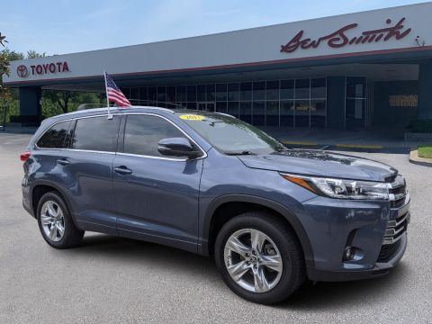 Pre-Owned 2017 Toyota Highlander Limited FWD Sport Utility