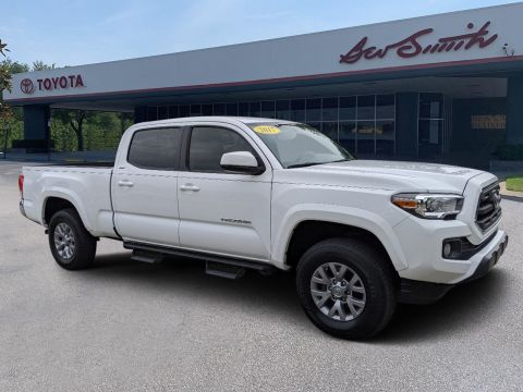 Pre-Owned 2017 Toyota Tacoma TRD Sport 4WD Crew Cab Pickup