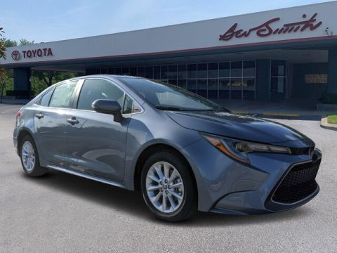 New 2020 Toyota Corolla XLE FWD Sedan